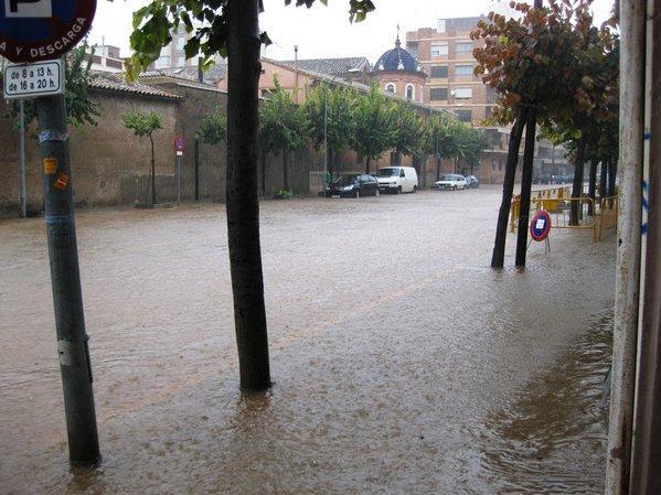 El barranquet, a Vila-real, amb un pam d'aigua després de l'episodi de gota freda.