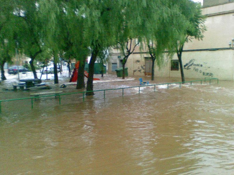 Par inundat per les pluges torrencials en l'episodi de gota freda a Vila-real