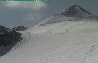 Abre Passo Stelvio: el último bastión italiano del esquí de verano