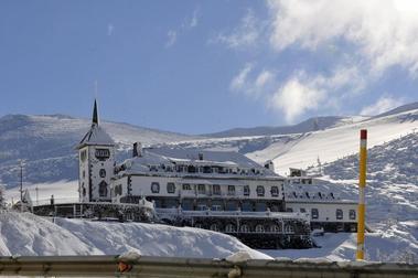 El Parador de Pajares quiere empezar a abrir para la temporada de esquí