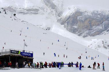 Aramón volverá a gestionar la estación de esquí de Candanchú para abrir este invierno