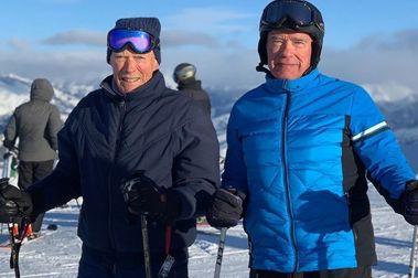 Arnold Schwarzenegger y Clint Eastwood esquiando juntos