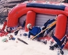 Rafting en aguas bravas en Jaca en el Pirineo con Pirineosur