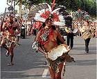 Desfile inaugural del 43 Festival Folklórico de de los Pirineos en Jaca