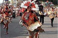 Jaca sube el telón del 44 Festival Folklórico con el desfile de artistas, programa y novedades